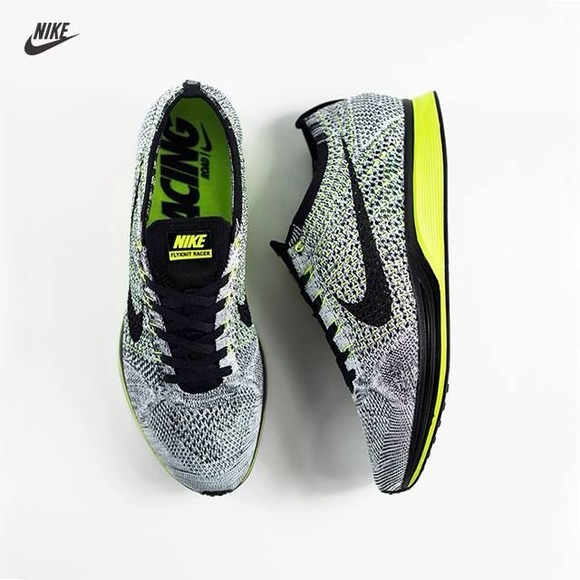 the best attitude 51129 84f7a Nike Flyknit Racer Volt Oreo. M 5b4671bf12cd4a4108f758a7